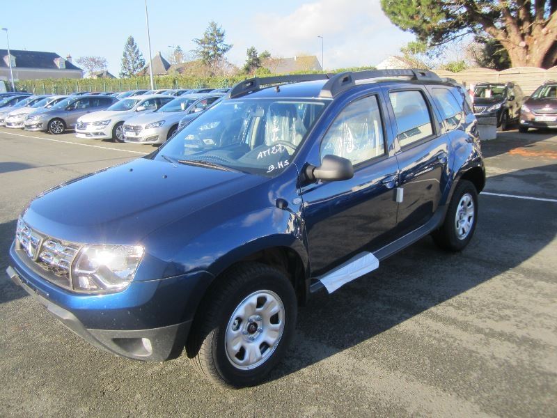 dacia duster 1 2 tce 125ch laureate plus 2017 4x2 d occasion saint georges sur loire garage. Black Bedroom Furniture Sets. Home Design Ideas