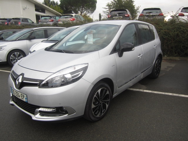 Renault SCENIC III 1.2 TCE 130CH ENERGY BOSE EURO6 2015 Essence GRIS Occasion à vendre